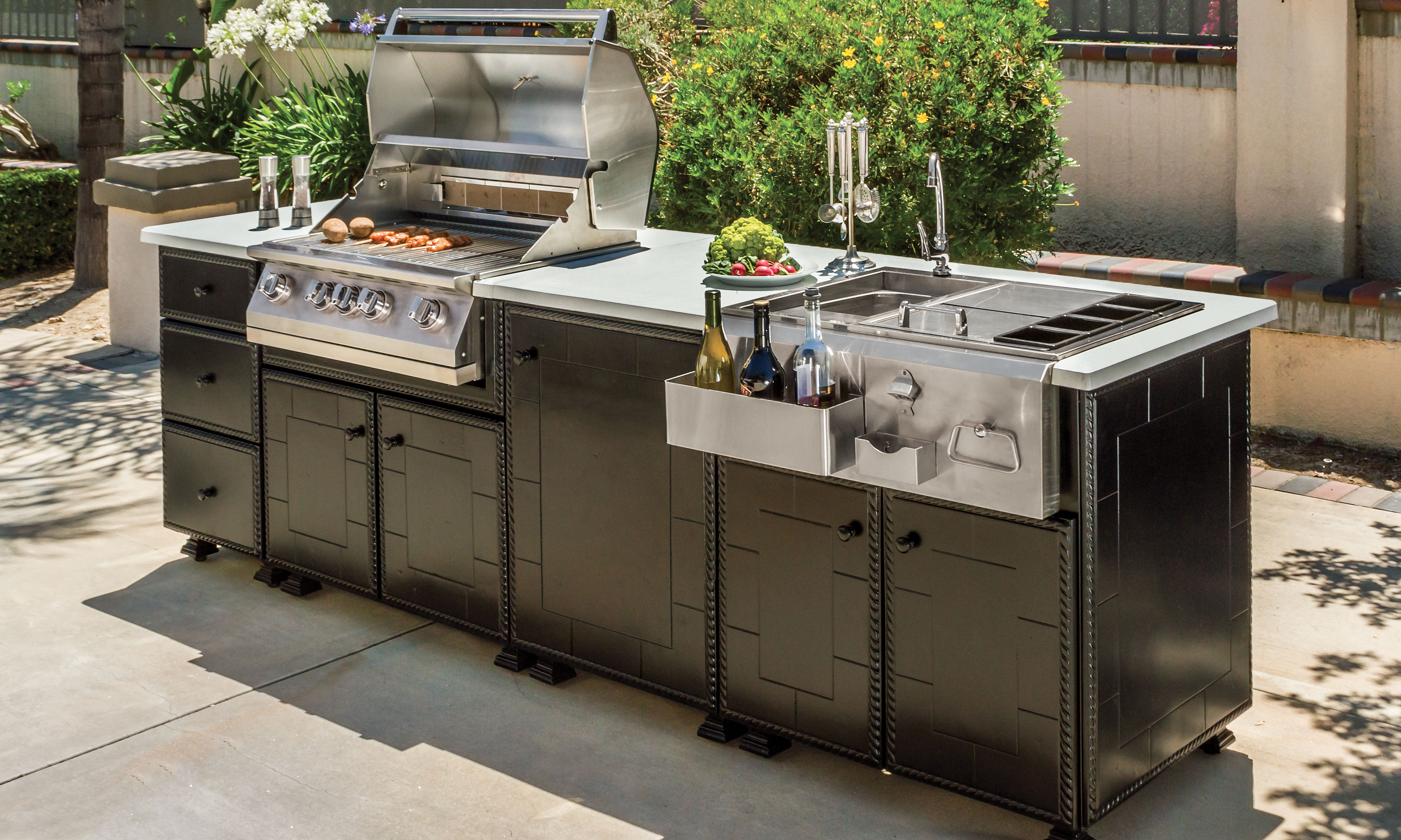 Catalog images gensun for Outdoor kitchen islands and bars